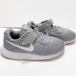 Nike size 8c gray and white toddler